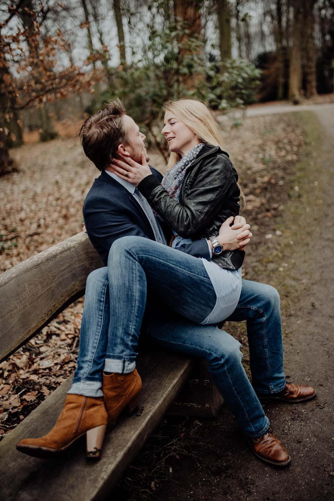 021-verlobungsshooting-engagement-fotograf-witten-rombergpark-dortmund