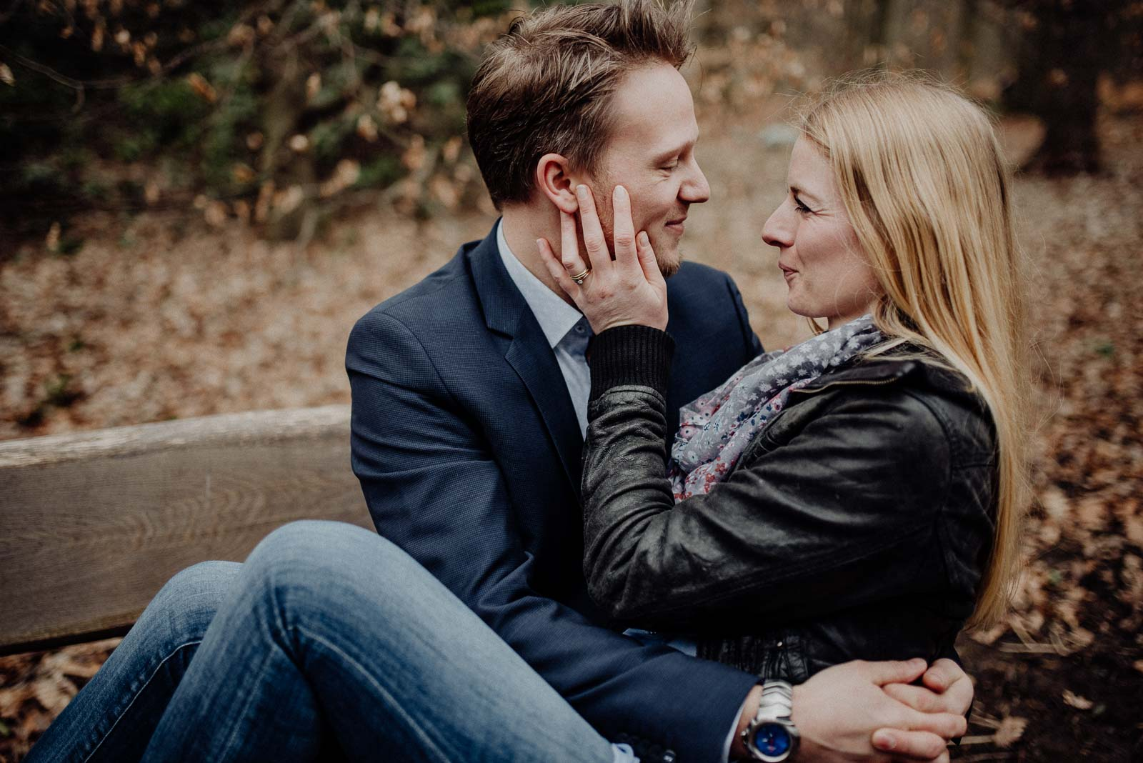 024-verlobungsshooting-engagement-fotograf-witten-rombergpark-dortmund
