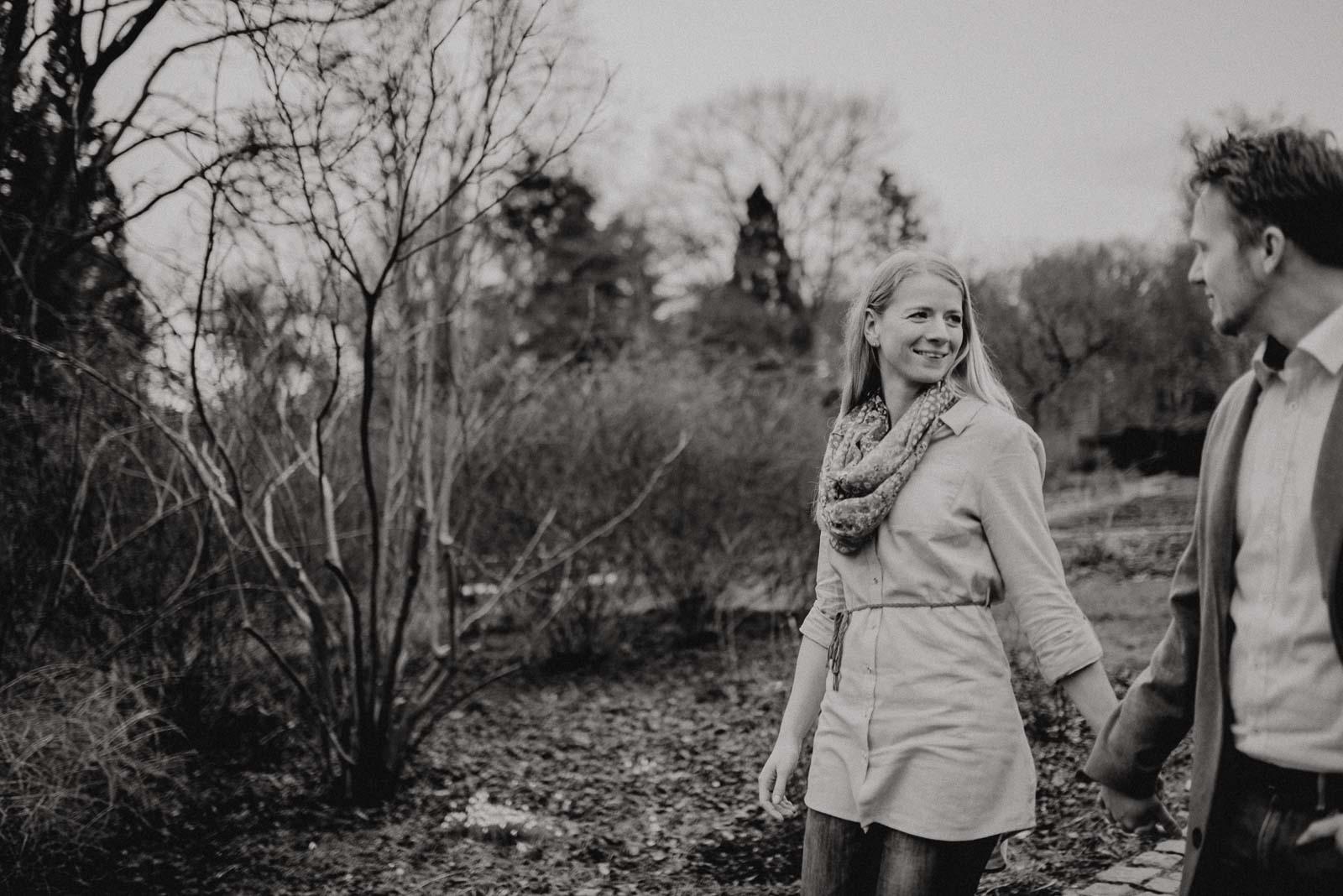 033-verlobungsshooting-engagement-fotograf-witten-rombergpark-dortmund