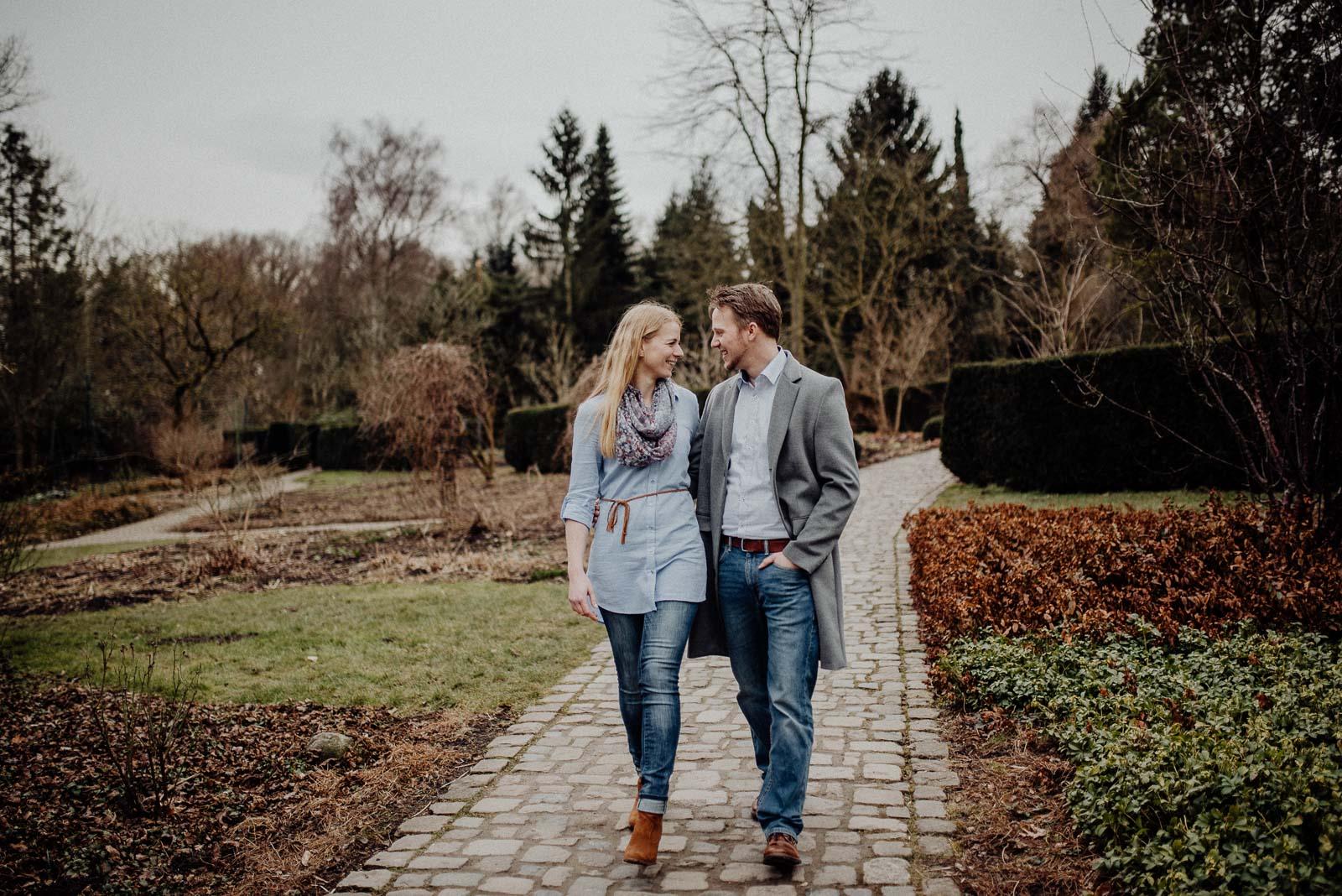 034-verlobungsshooting-engagement-fotograf-witten-rombergpark-dortmund