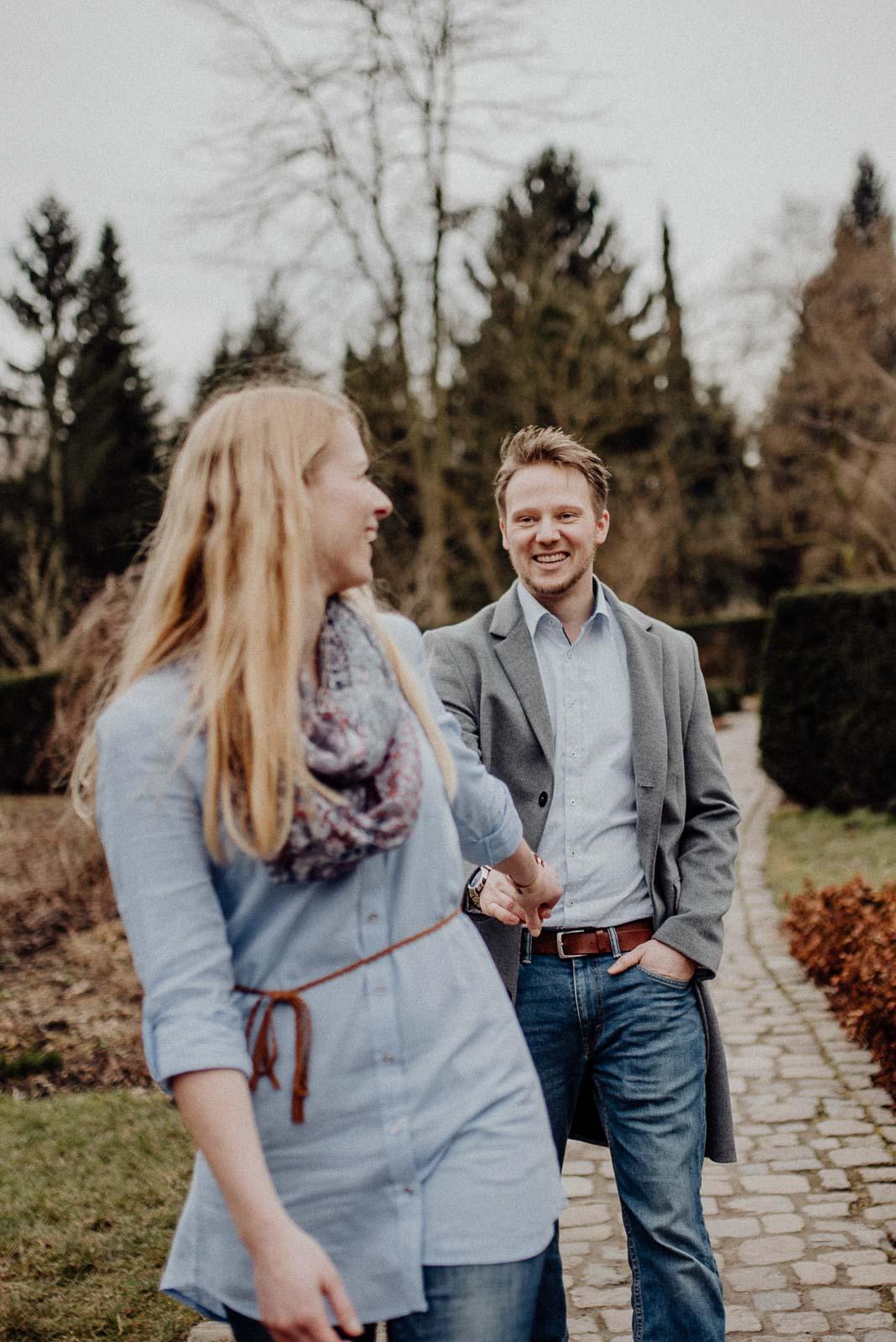 037-verlobungsshooting-engagement-fotograf-witten-rombergpark-dortmund