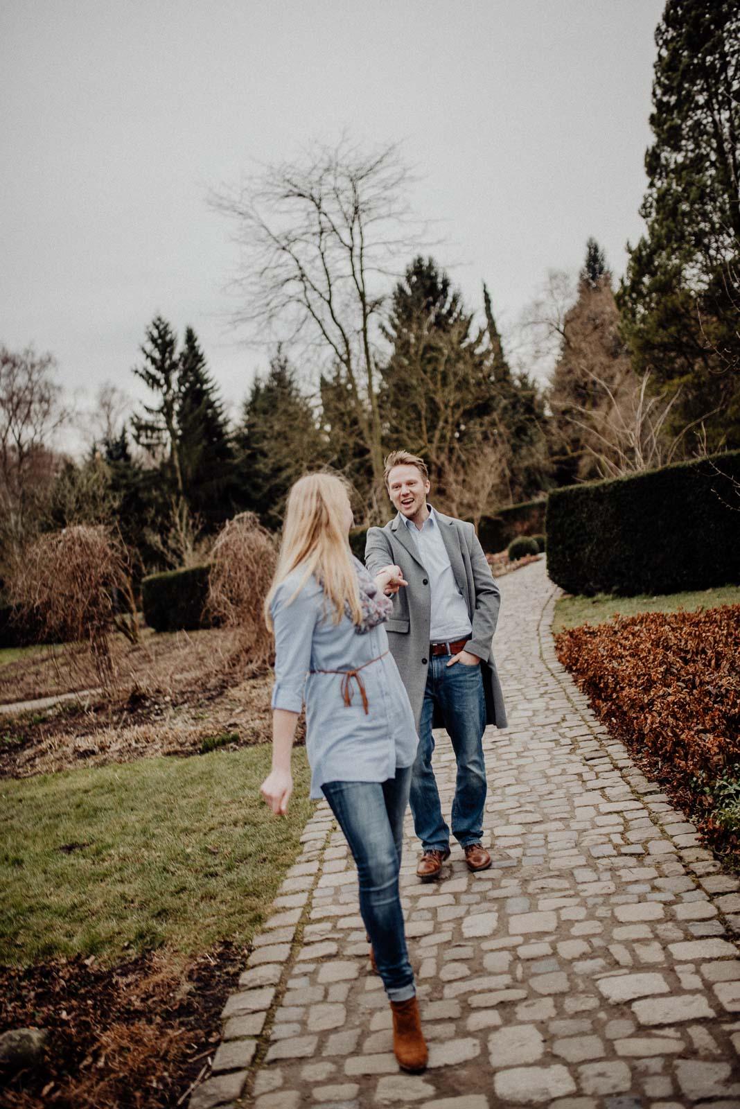 039-verlobungsshooting-engagement-fotograf-witten-rombergpark-dortmund