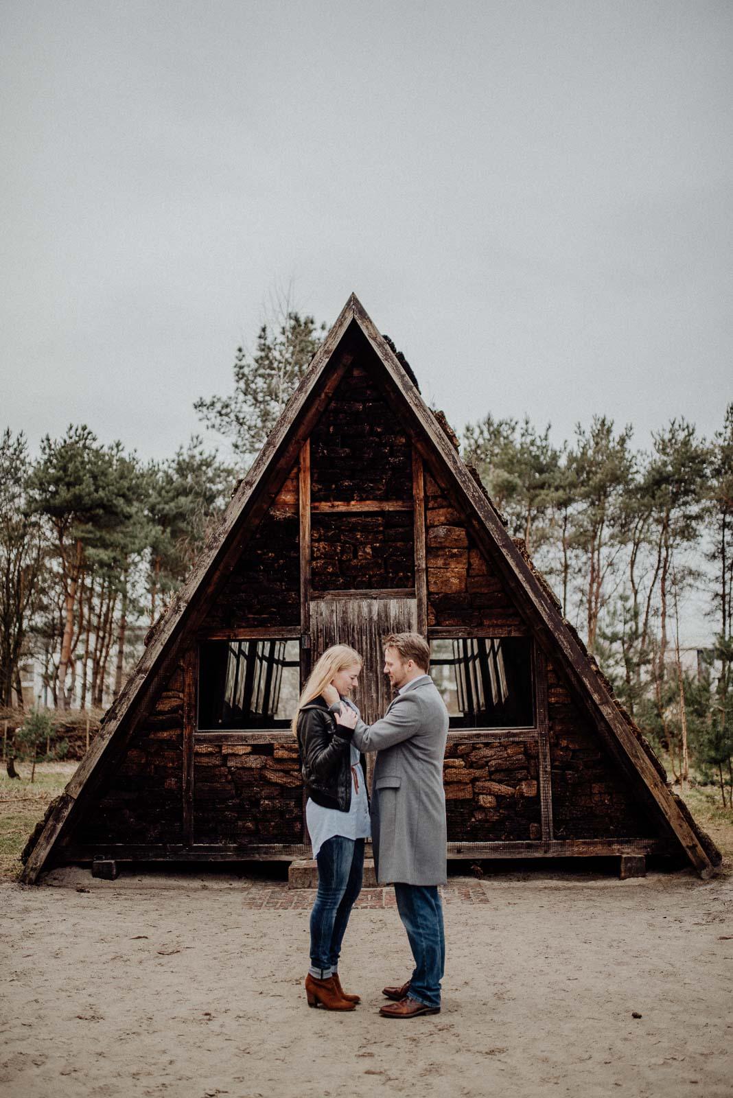 043-verlobungsshooting-engagement-fotograf-witten-rombergpark-dortmund