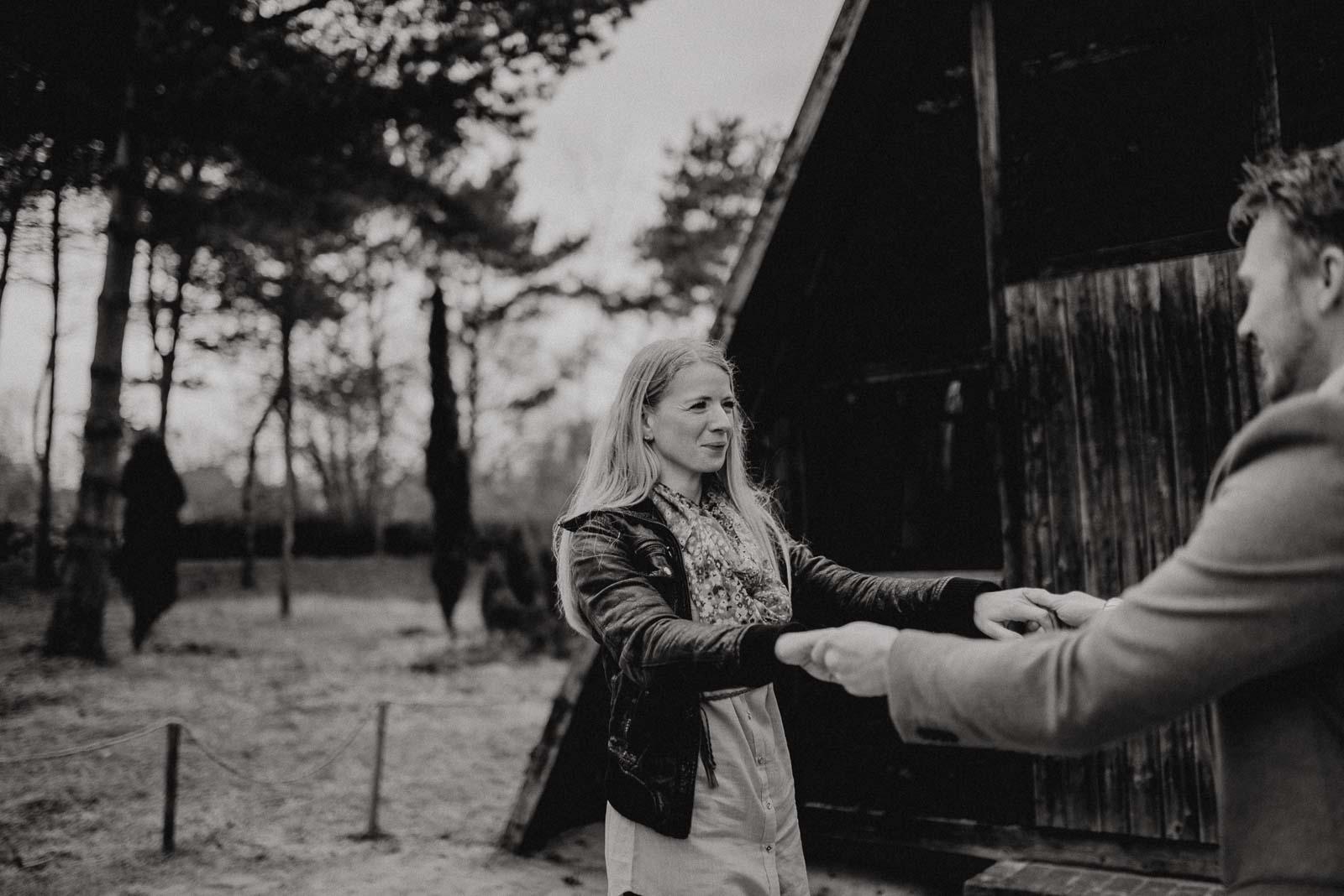 045-verlobungsshooting-engagement-fotograf-witten-rombergpark-dortmund
