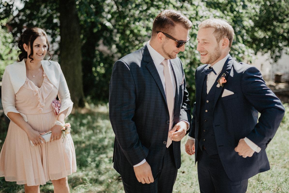 132_Hochzeit_AnnaJan_Sektempfang
