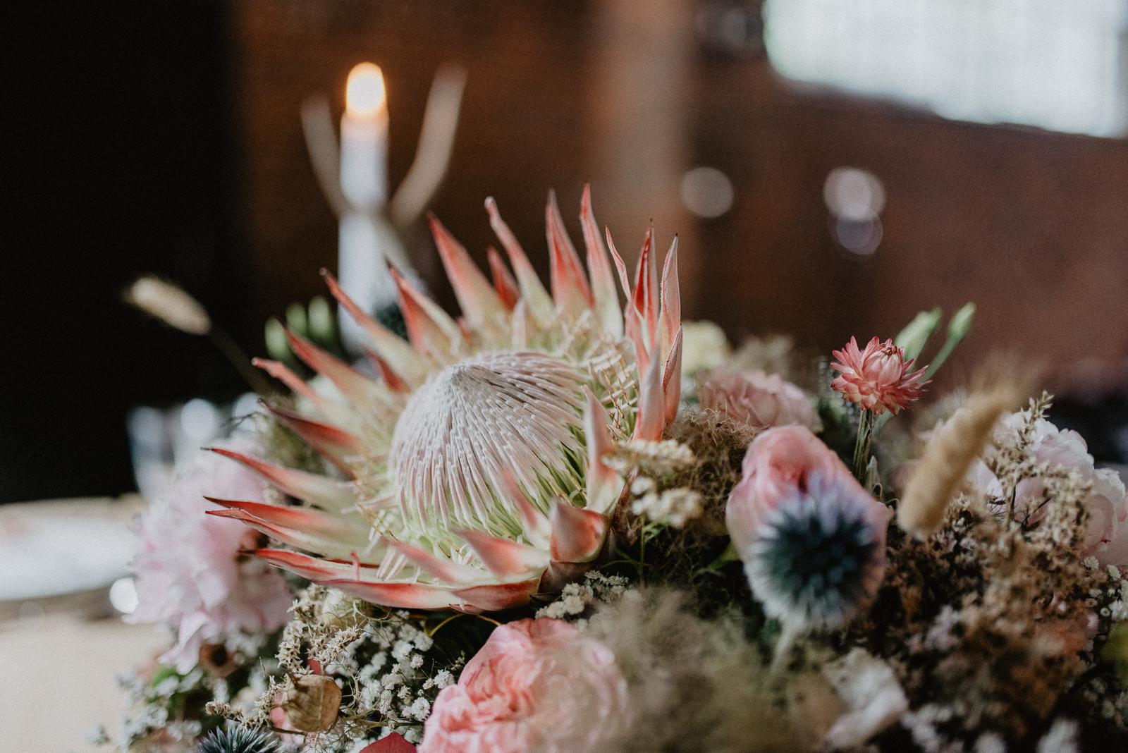 012-tischerie-floraldesign-floristik-tischdeko-hochzeit-hochzeitsdeko-bochum