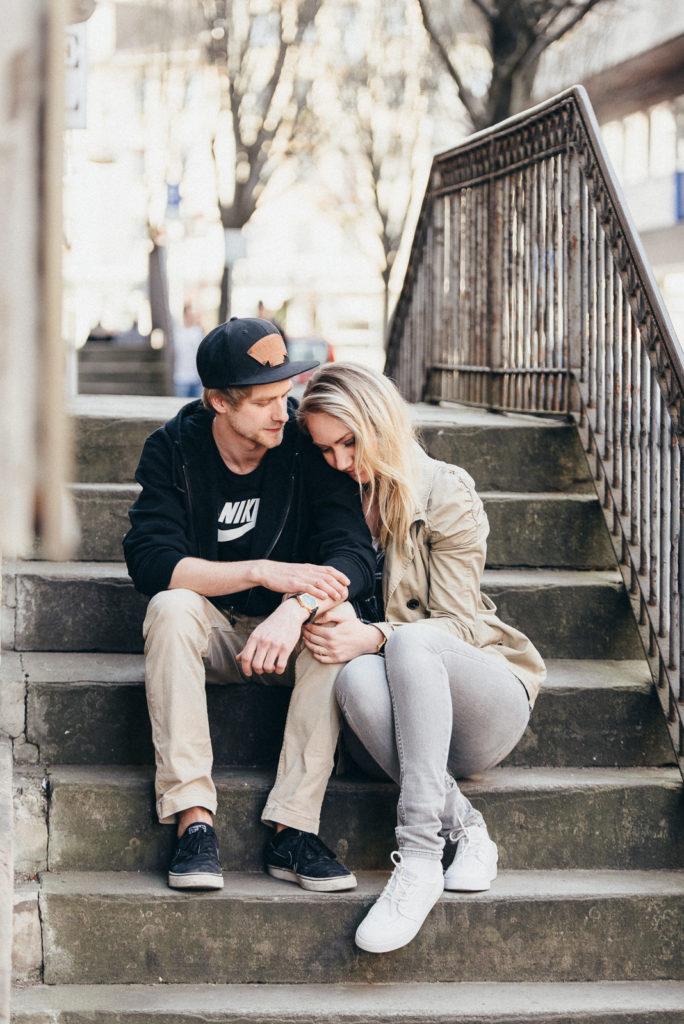 002-downtown-coupleshoot-witten-urbanes-paarshooting