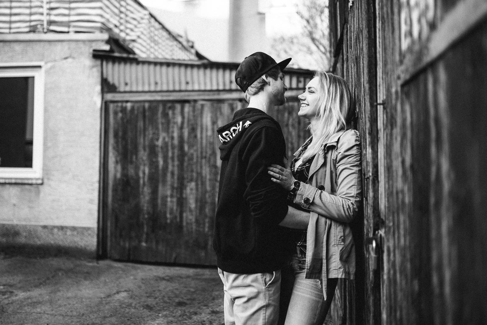 018-downtown-coupleshoot-witten-urbanes-paarshooting