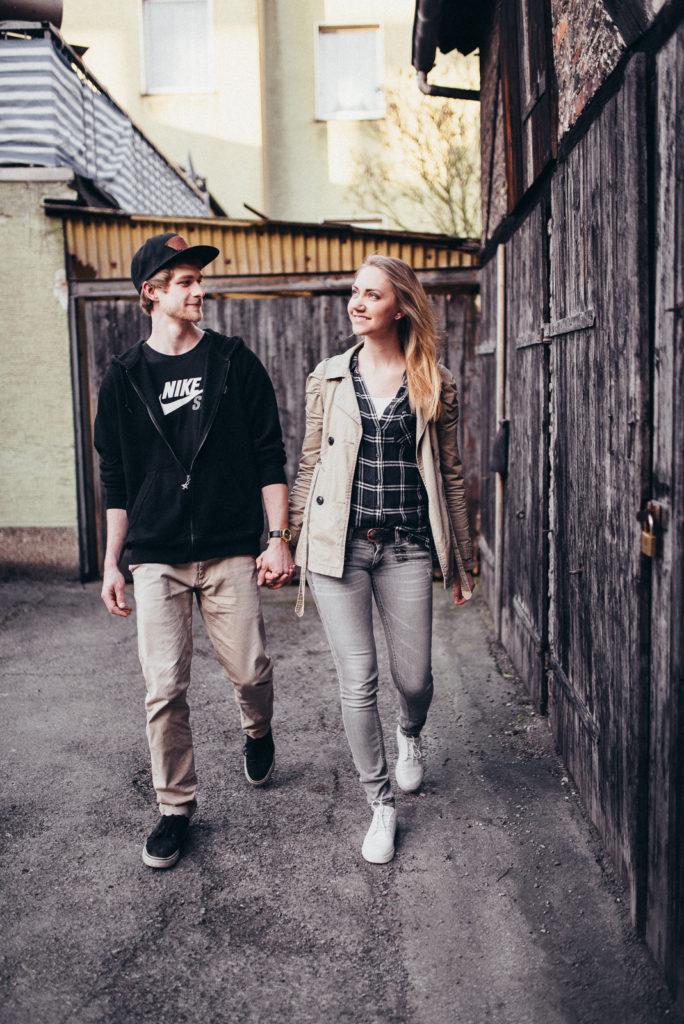 020-downtown-coupleshoot-witten-urbanes-paarshooting