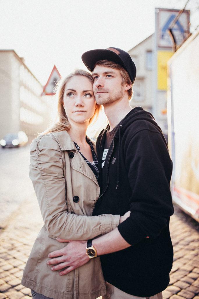024-downtown-coupleshoot-witten-urbanes-paarshooting