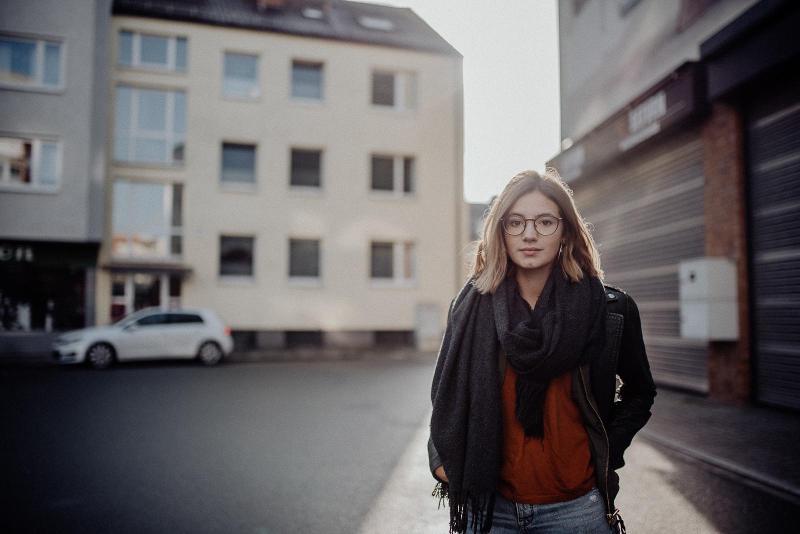 001-designparaplus-fotografin-witten-portrait-shooting-downtown-3