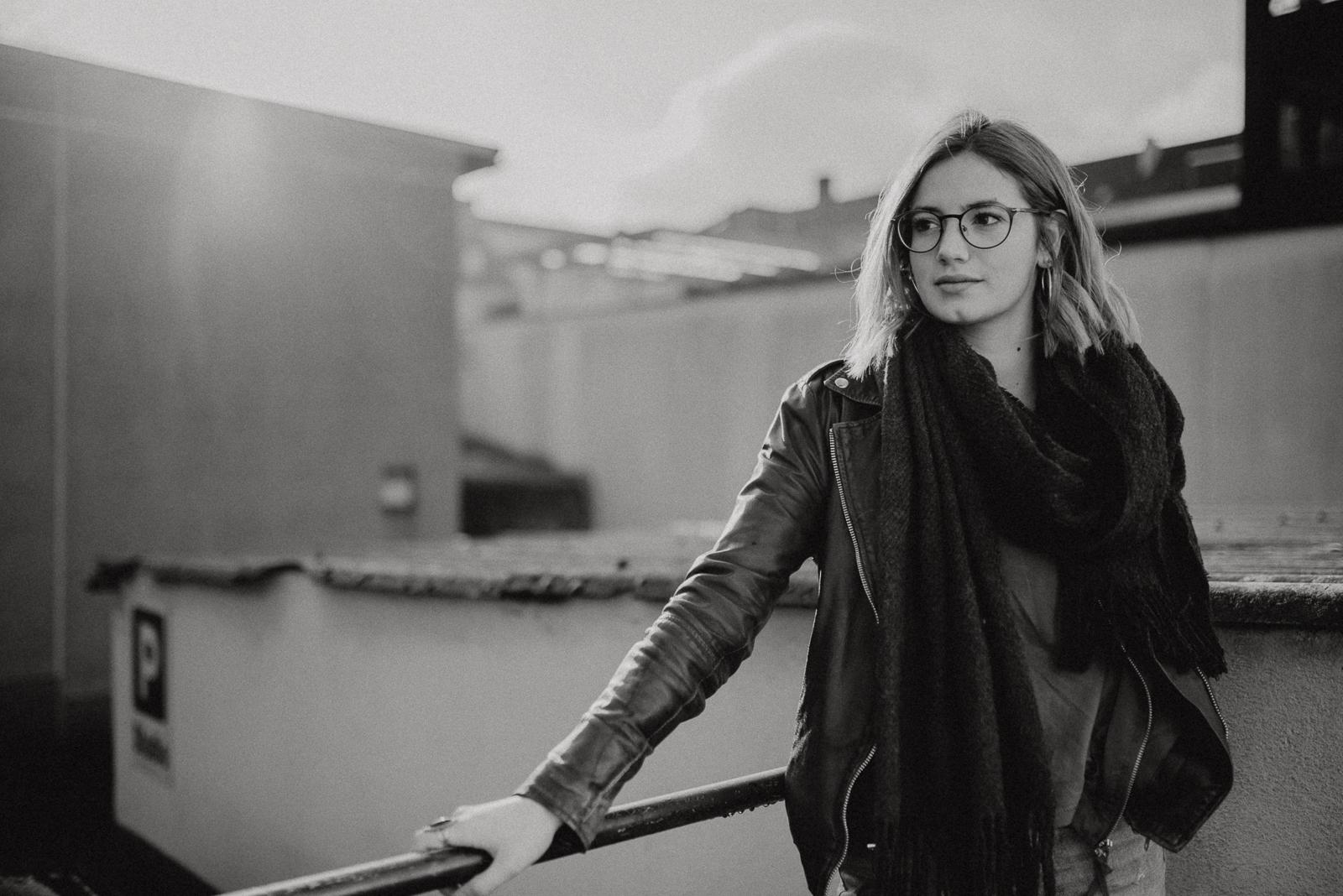 003-designparaplus-fotografin-witten-portrait-shooting-downtown