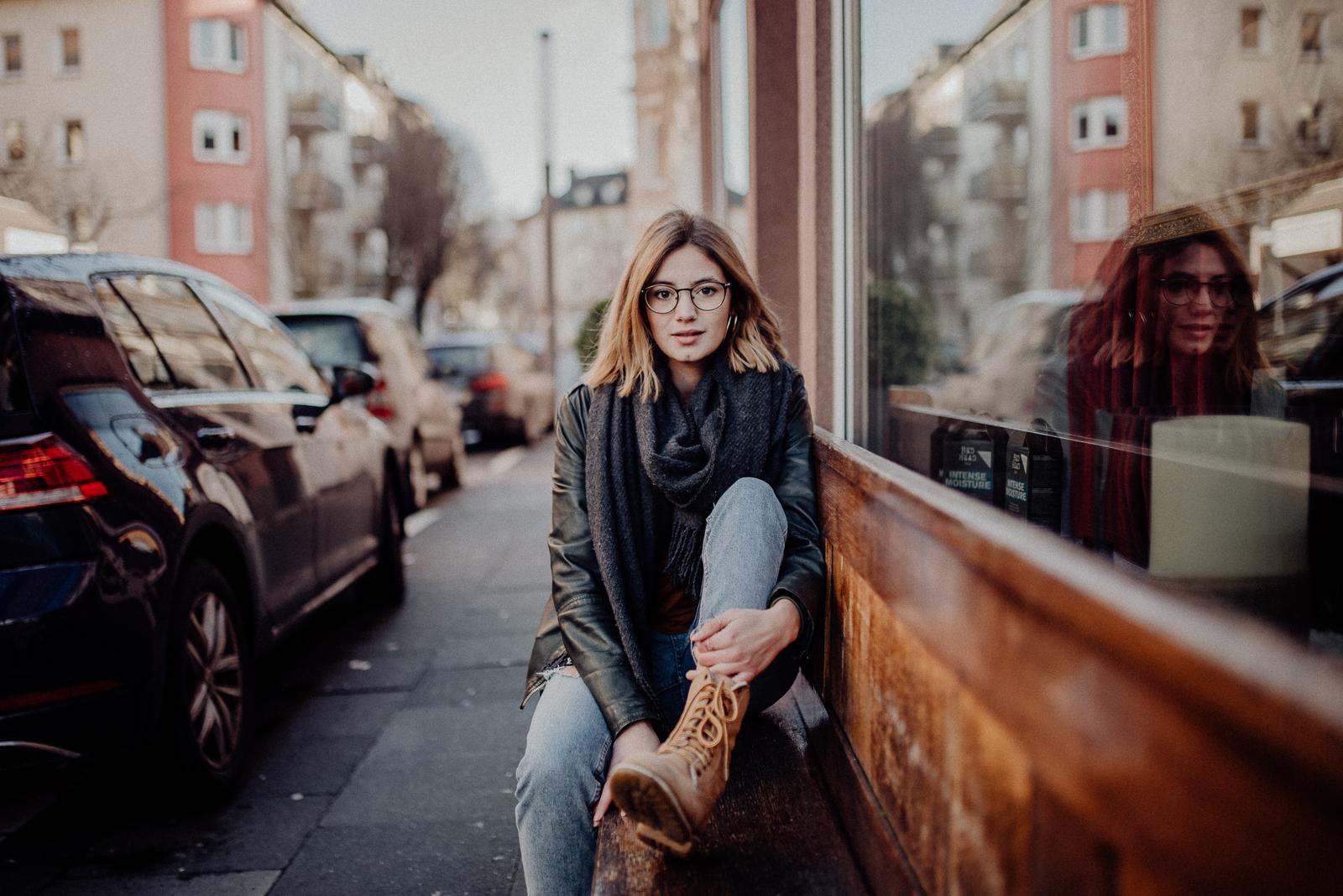 024-designparaplus-fotografin-witten-portrait-shooting-downtown