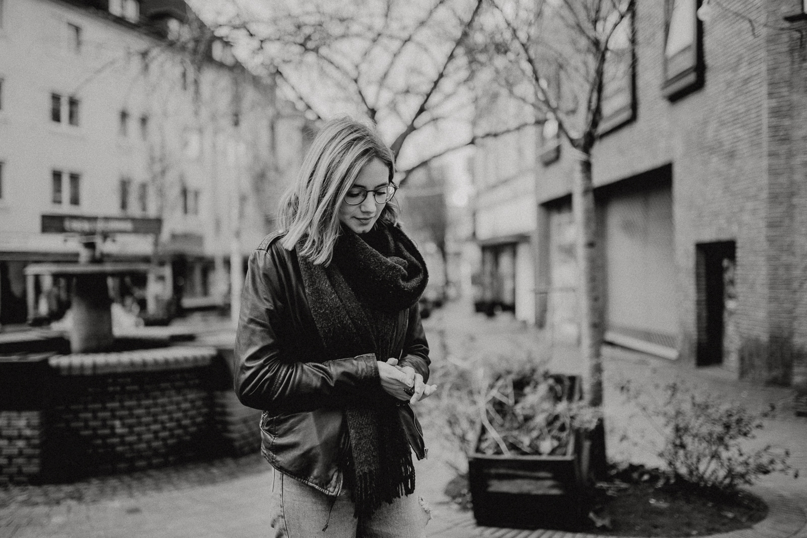 030-designparaplus-fotografin-witten-portrait-shooting-downtown