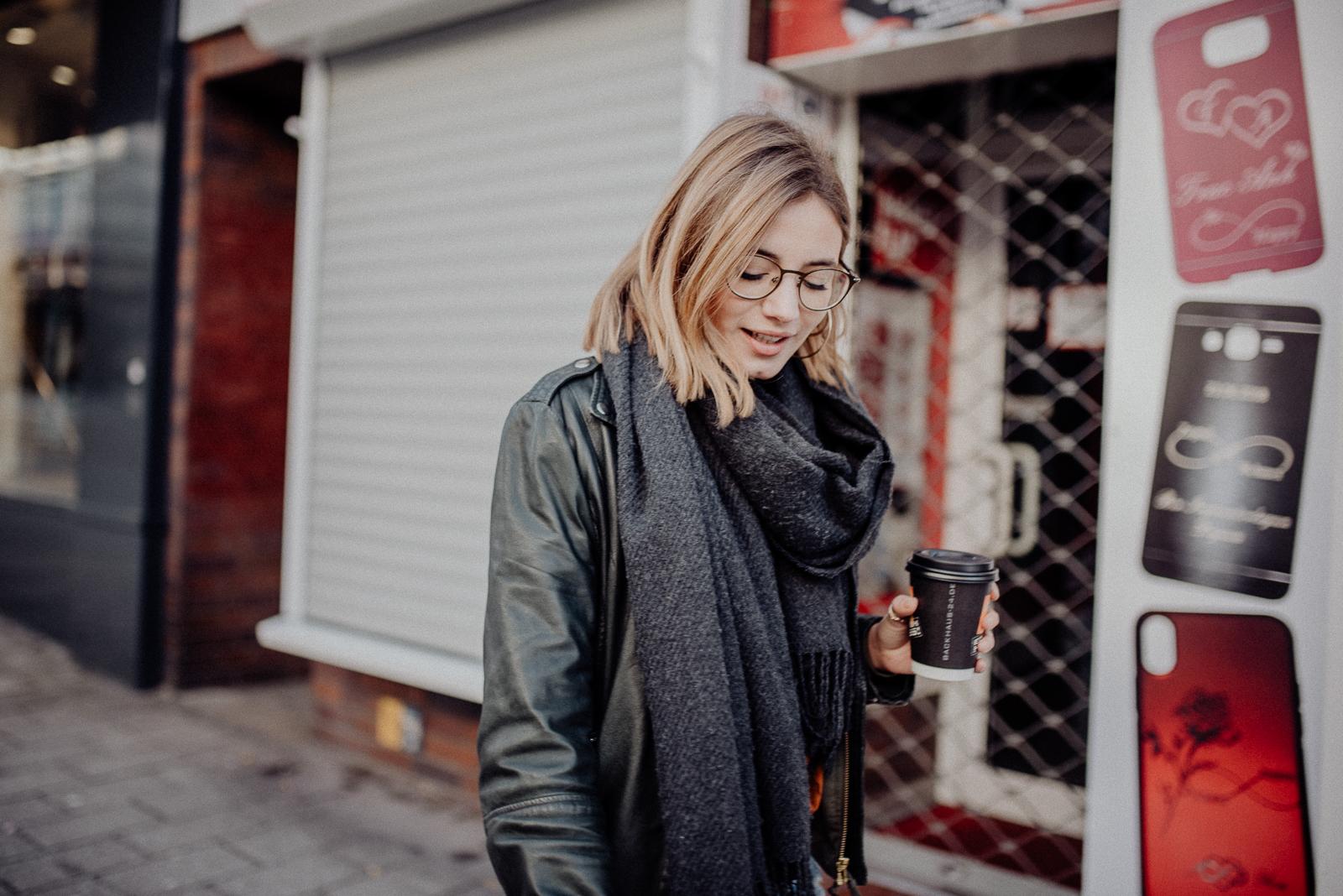041-designparaplus-fotografin-witten-portrait-shooting-downtown