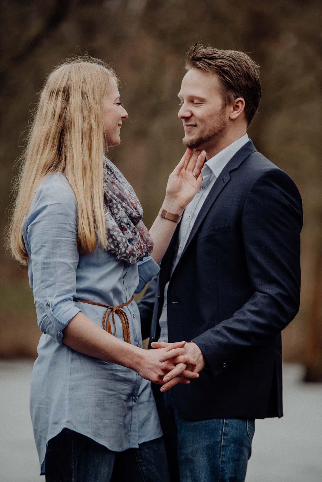 008-verlobungsshooting-engagement-fotograf-witten-rombergpark-dortmund