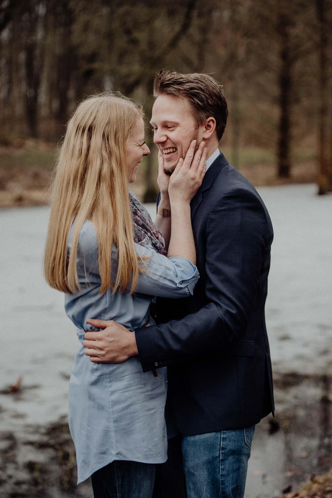 009-verlobungsshooting-engagement-fotograf-witten-rombergpark-dortmund