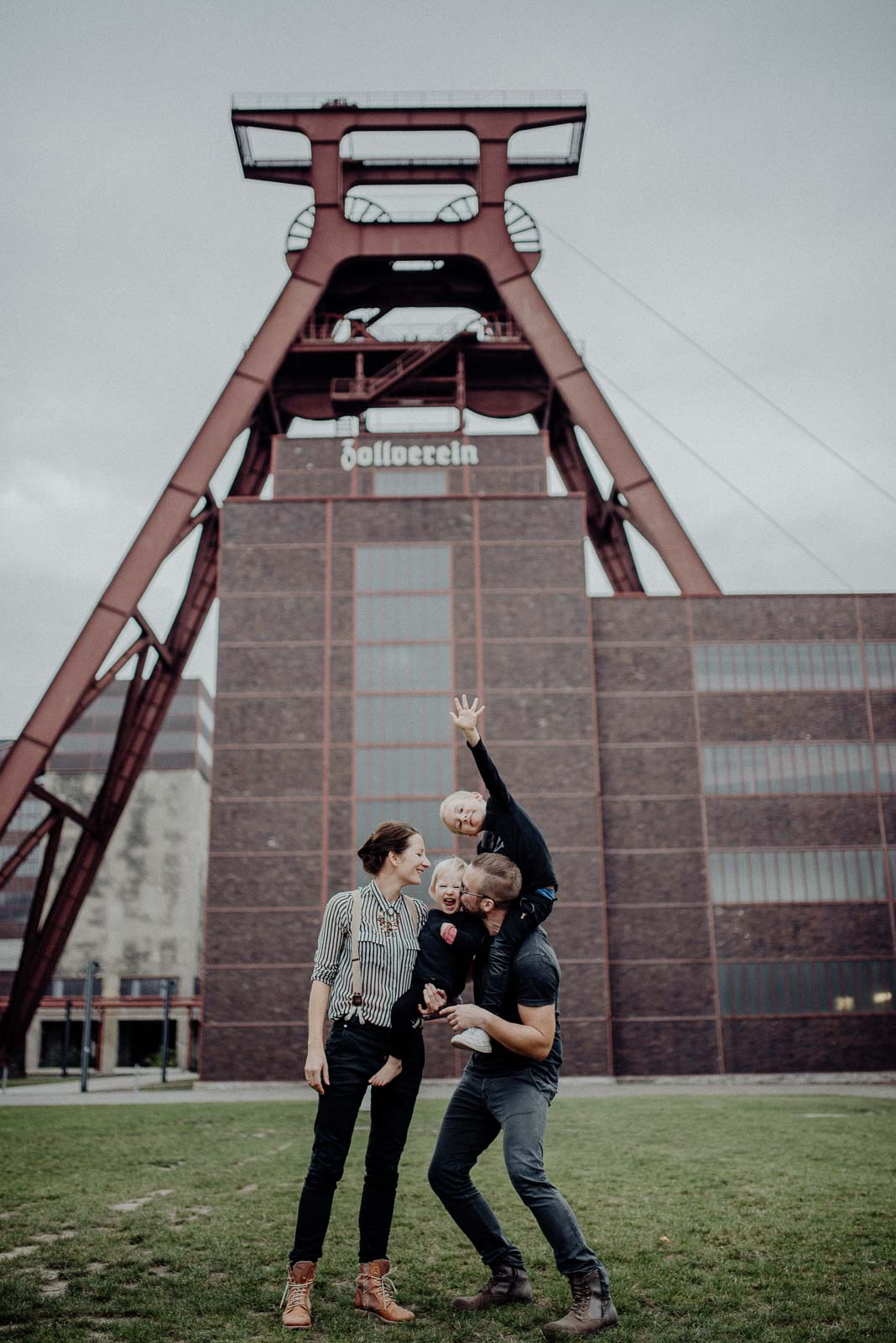 natuerliche Familienfotografie und ungestellte Familienfotos in Essen im Ruhrgebiet