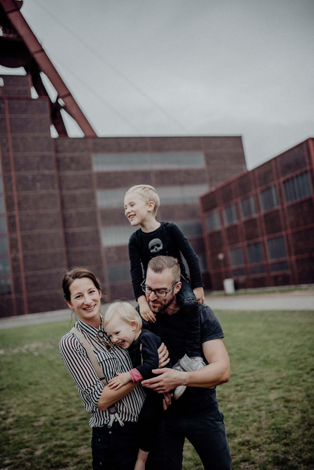 Familieportrait vor Foerdertum