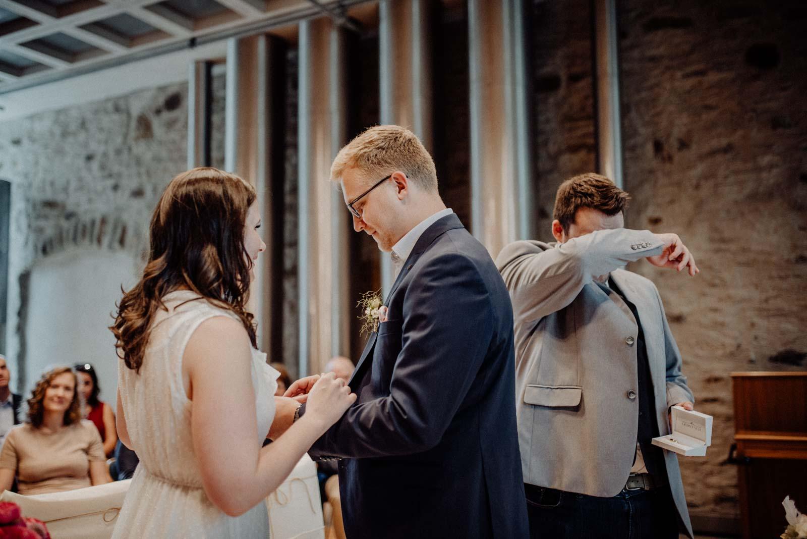 Ringwechsel bei der standesamtlichen Hochzeit
