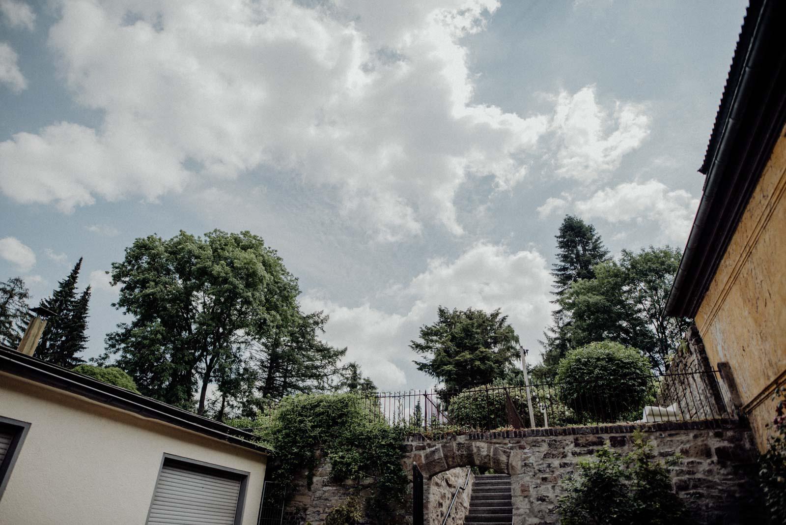 079-sommerhochzeit-gartenhochzeit-hochzeit-standesamt-haus-witten