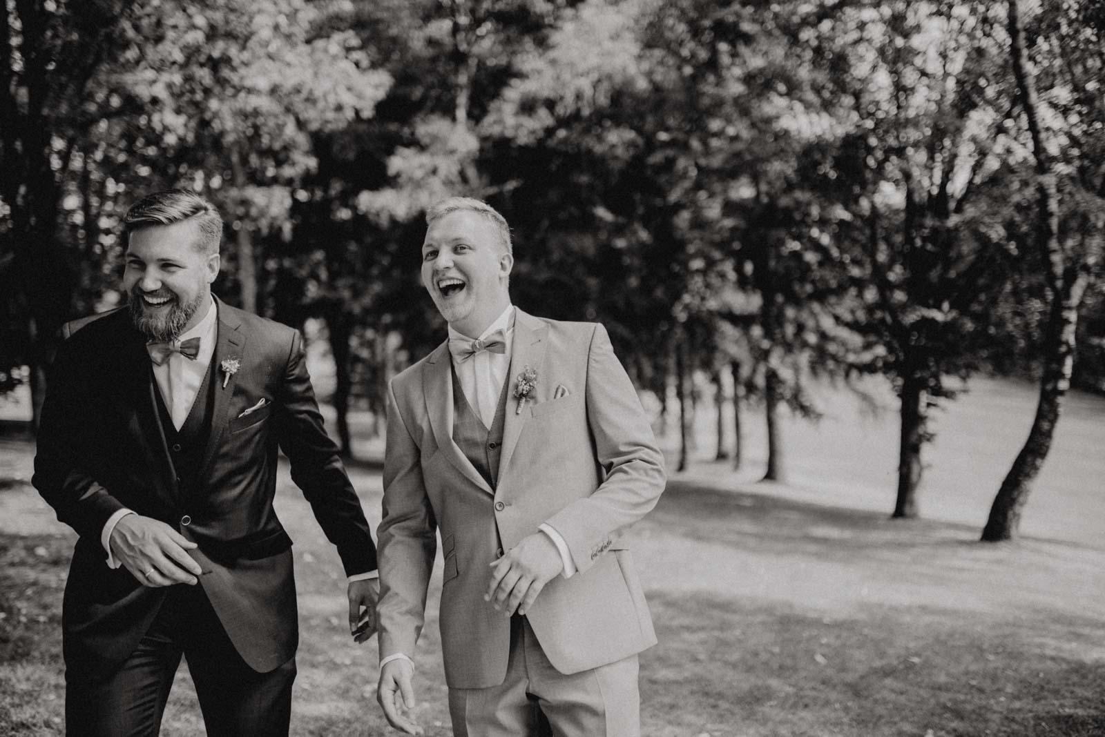 Brüder beim Familienshooting am Hochzeitstag