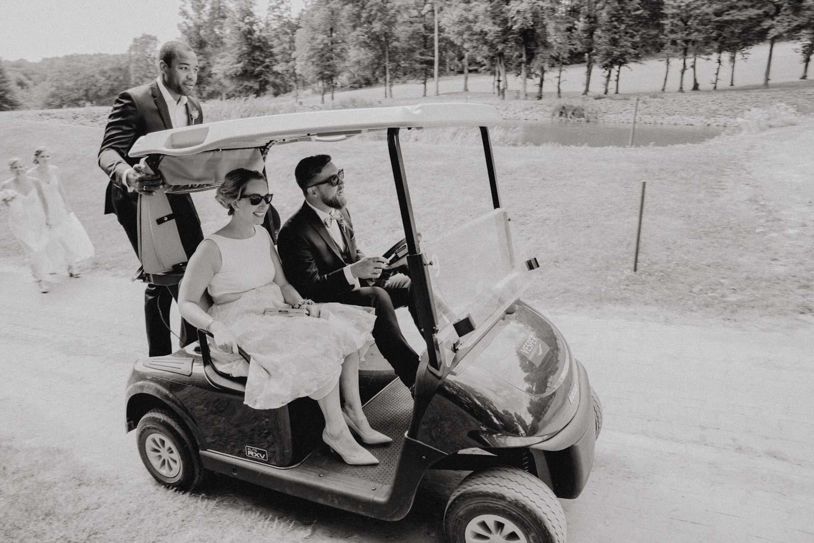 Wilde Fahrt mit dem Golfcaddy im Golfhotel Vesper
