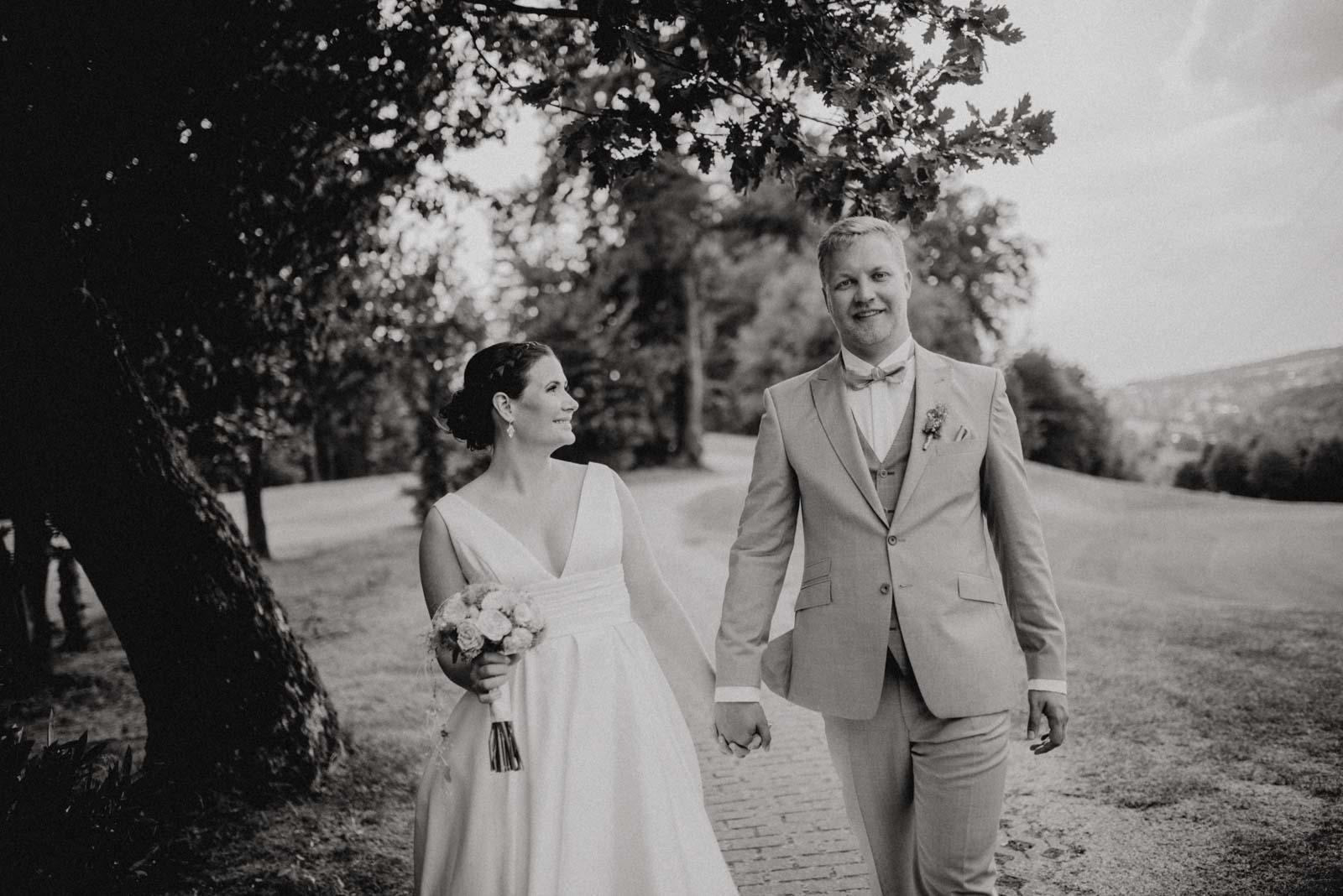 Paarshooting auf dem Golfplatz Hochzeitsfotograf Witten