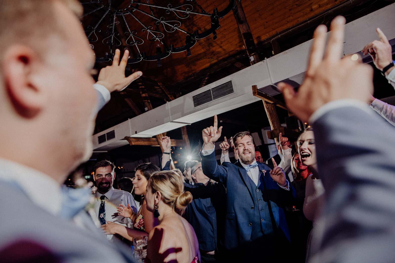 Die Hochzeitsparty beginnt