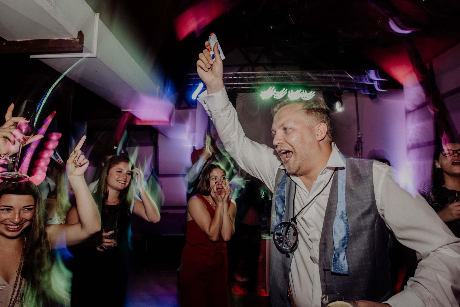 Hochzeitsfotograf Witten Blitzbilder und Partybilder Hochzeit