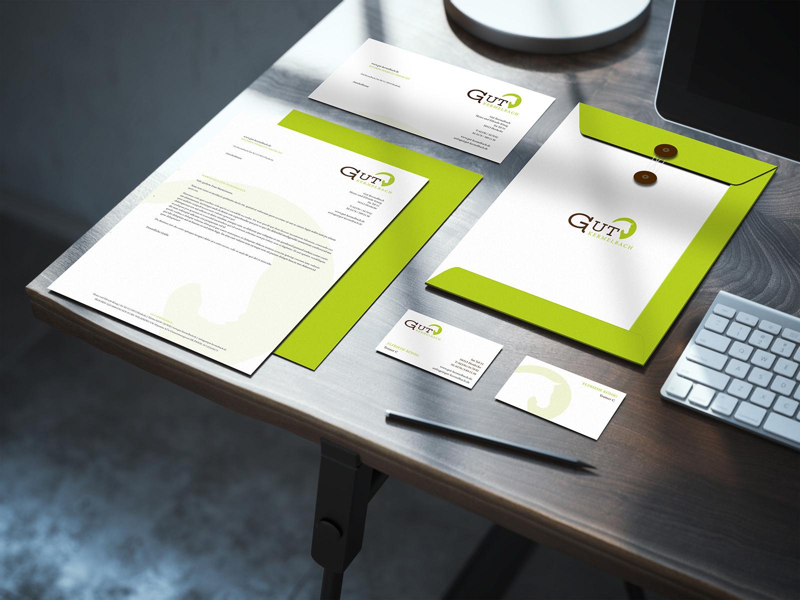 Briefpapier und Visitenkarten nit neuem Logo Design