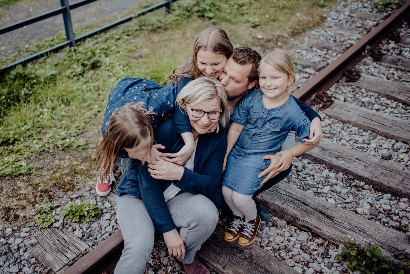 Familienhaufen beim Shooting in der Jahrhunderthalle Bochum.