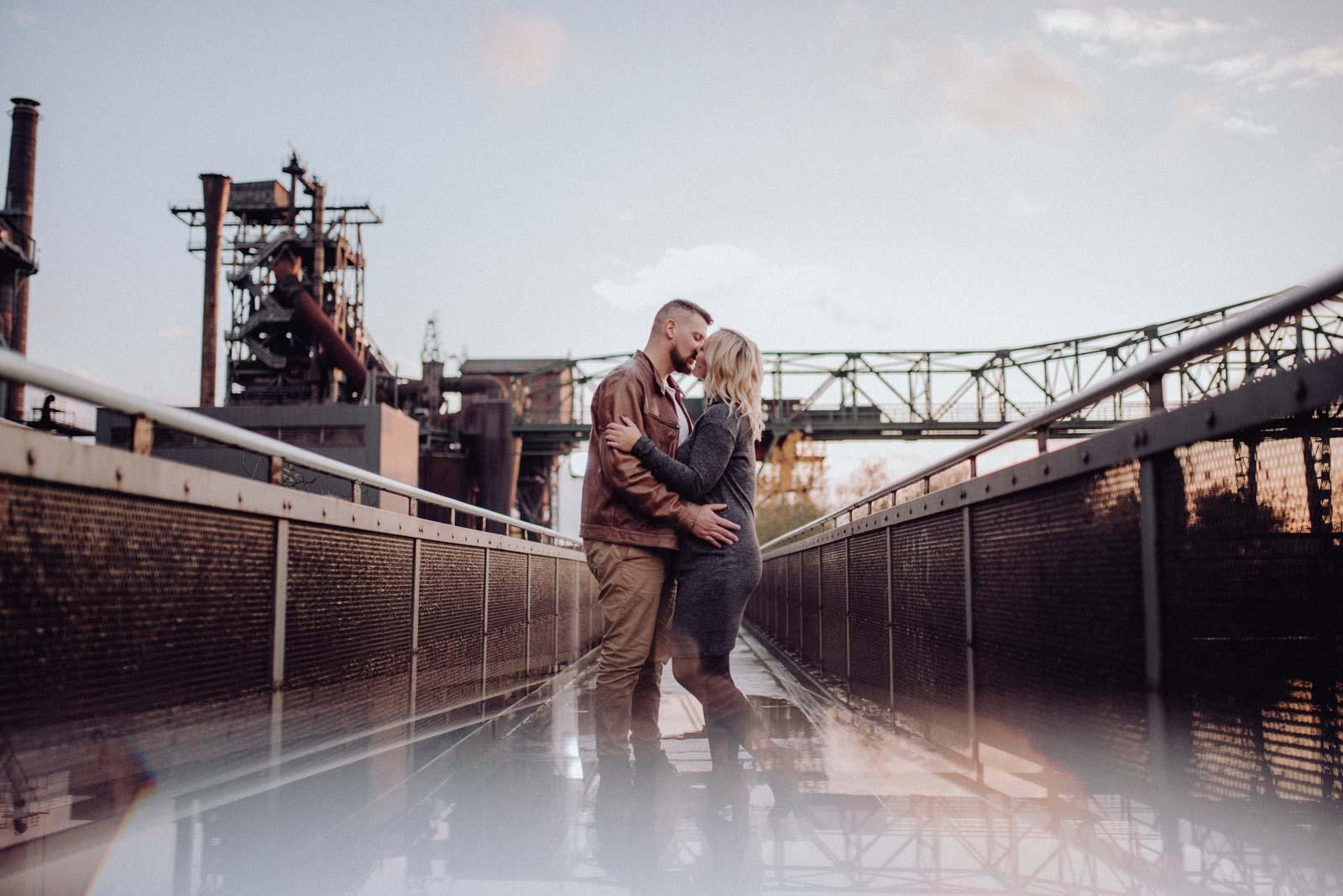 036-Babybauch-Shooting-Paarshooting-LaPaDu-Fotograf-Ruhrgebiet-Industriegebiet