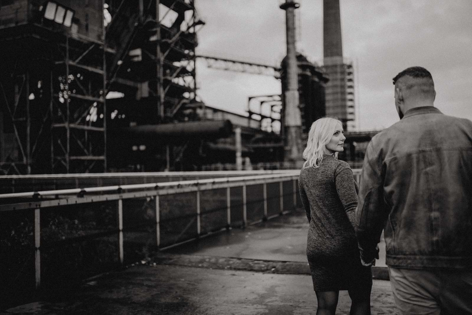 043-Babybauch-Shooting-Paarshooting-LaPaDu-Fotograf-Ruhrgebiet-Industriegebiet