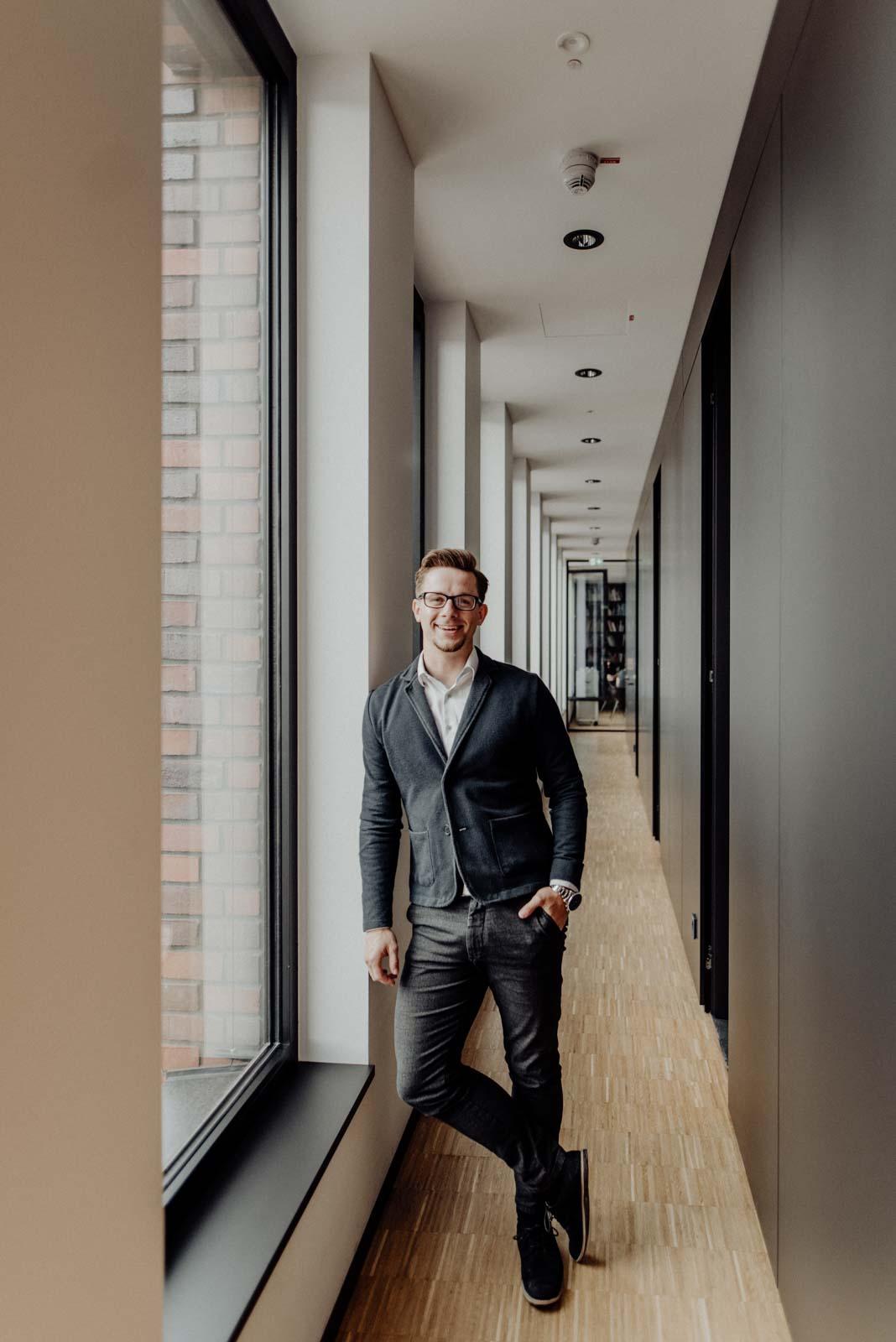 Junger Architekt bei Businesshooting